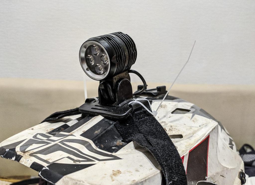 фонарь nitefighter bt-40s на шлеме