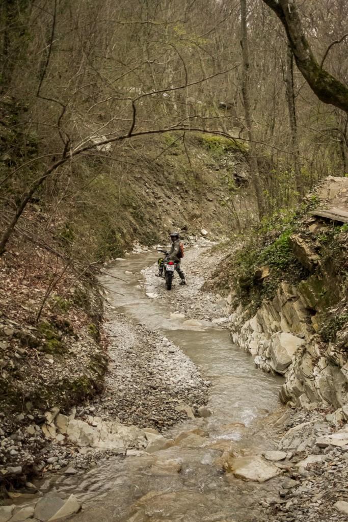 Эндуро горная река