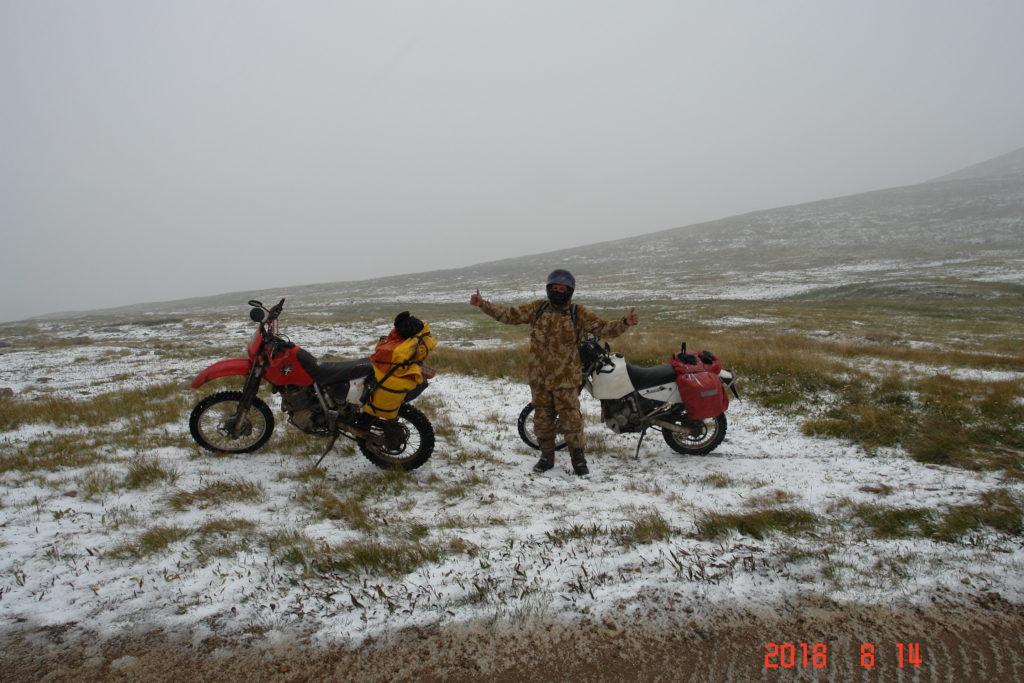 Алтай мото горы снег