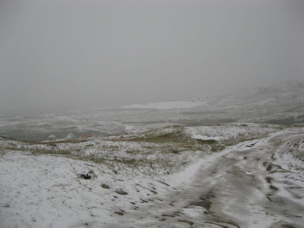 Снег в Алтае